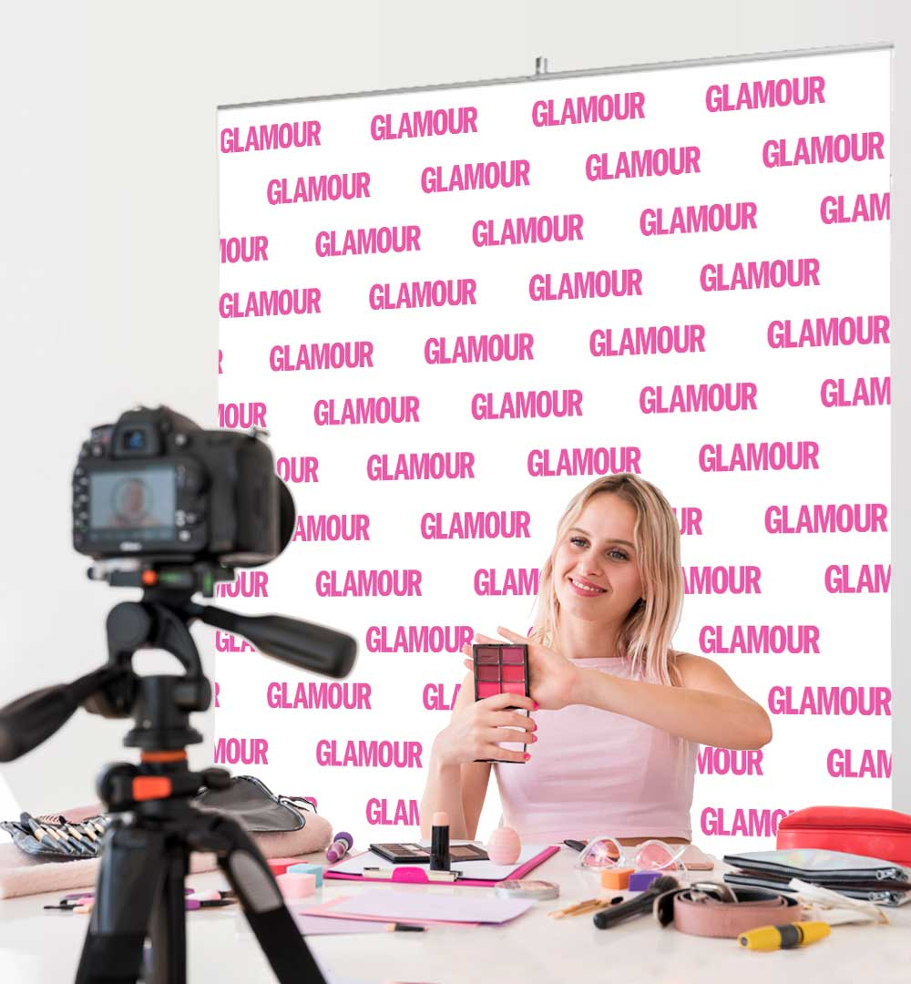 Roll Up Standard Logo - Glamour live